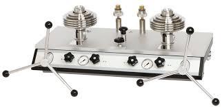 Chuẩn áp suất chênh áp kiểu piston cấp chính xác cao;
